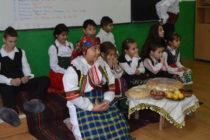 Коледен празник в училището в с. Синапово