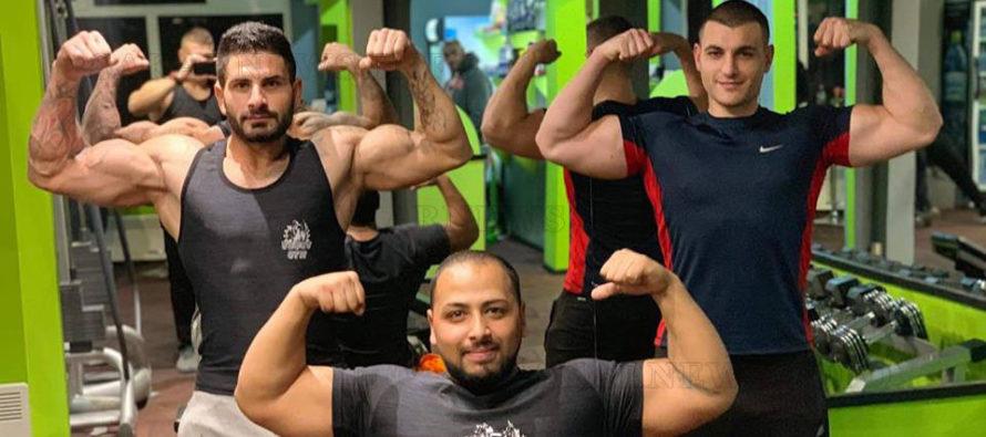 Фитнес маниаци вече помпат мускули в супер модерна спортна зала