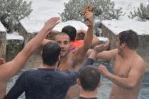 Христо Иванов за трета година спаси кръста в Ивайловград
