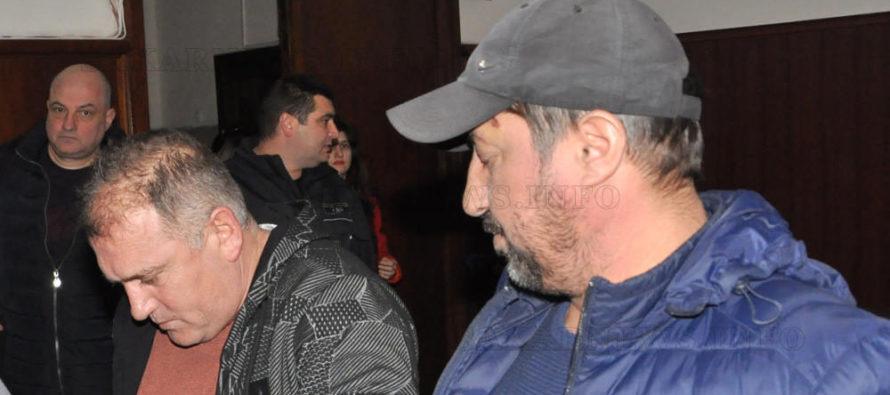 Обвинените за притежание на 46 кг. хероин остават в ареста