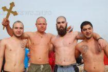 Дамян Костадинов изпревари трима при ваденето на кръста
