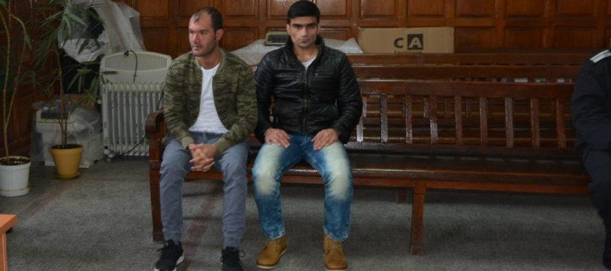 По 1 година условно получиха мигрантите, обвинени за погром в лагера