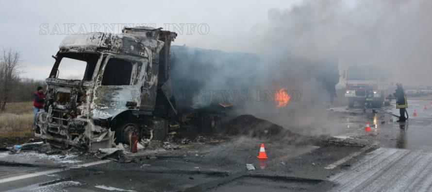 "Тежкотоварен камион гори на АМ ""Марица"""
