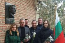 Евгения Ангелова поднесе цветя пред барелефа на Левски в Брюксел