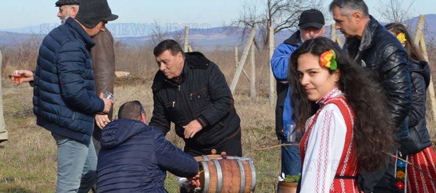 На Трифон Зарезан – Водосвет и празник в Тополовград