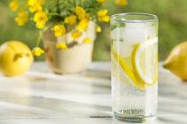 Пийте чаша вода с лимон, ако имате някои от следните проблеми