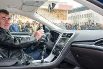 Александър Ангелов подкара  нов автомобил, спечелен от Тотото