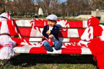 Пижо и Пенда седнаха на пейка в Харманли
