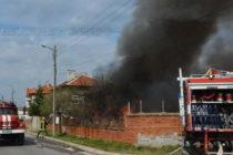 Заради струпани боклуци изгоря къщата на Ваньо Лъва