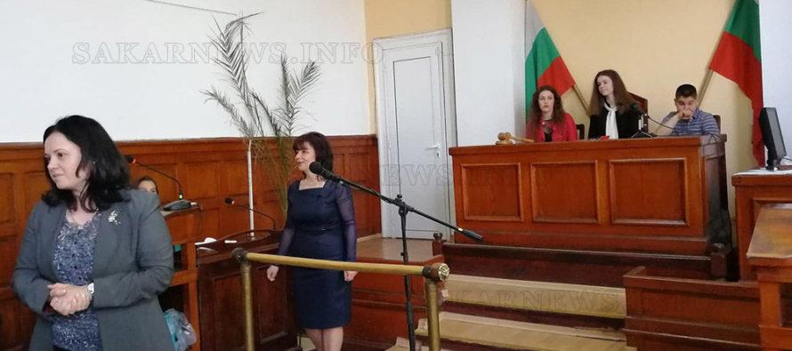 Ученици участваха в симулативен наказателен процес