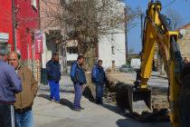 Ремонтират улици и подменят  водопроводи в Тополовград