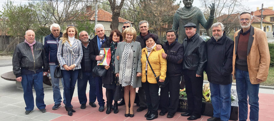 Открит бе паметник на  актьора Велко Кънев в Елхово