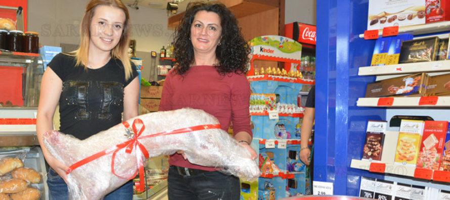 """Деница спечели Гергьоведското агне от супермаркет """"Мис Бонбонче"""""""