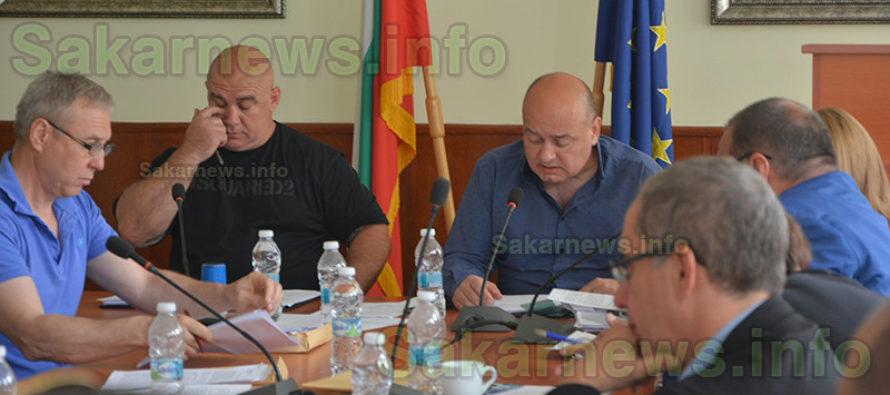 Отново свалиха Васил Сяров  от поста председател на ОбС