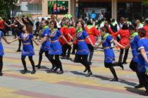 Във фолклорния танцов фестивал в Тополовград участваха 8 клуба