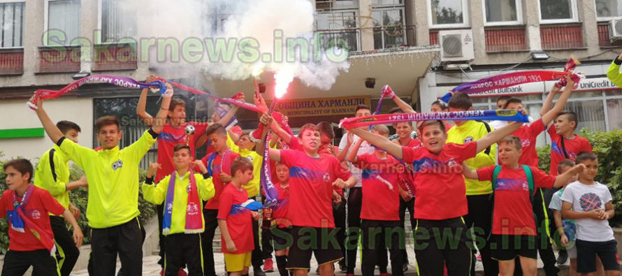Футболисти се похвалиха на кмет с лидерски успехи