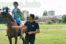 Уроци по конна езда  и пленер събраха деца  в парк