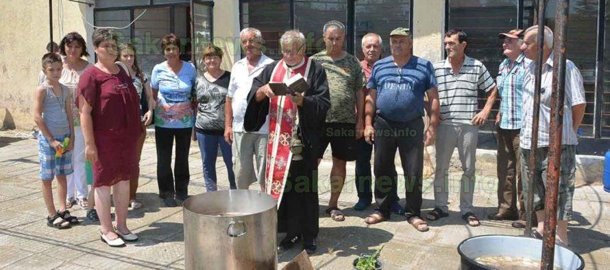 """В Черепово отбелязаха   празника на църквата """"Света Неделя"""""""