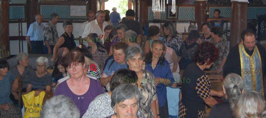 Владиката отслужи литургия в църквата на село Поляново
