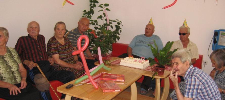 Първи лични празненства отбелязаха в дома за стари хора в Харманли