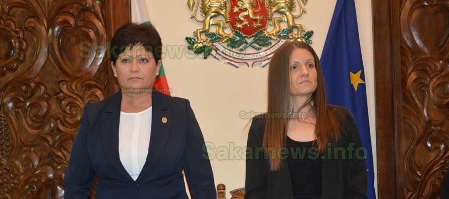 Киркова се закле за втори път да работи в интерес на хората от общината