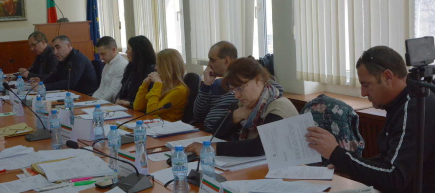Мнозинството в ОбС – Тополовград прие бюджета на Общината наполовина