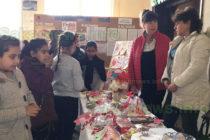 Две училища с благотворителни базари