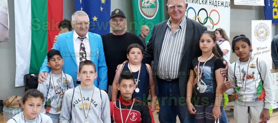 Симеоновградски борци с  първи медали за годината