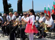 С изпълнения на духов оркестър и изяви на културни дейци в Свиленград отбелязаха 24 май