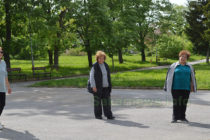 Градският парк в общинския център вече  се изпълва с разхождащи се граждани