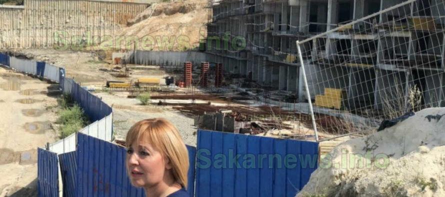 Мая Манолова призова премиера да иде на плажа на Алепу с багер