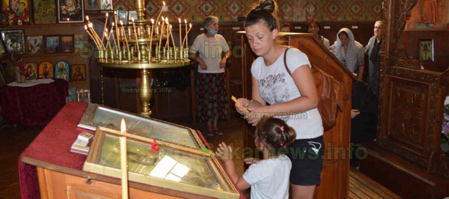 Твърде миньорно бе празнуването на Богородица в Тополовград