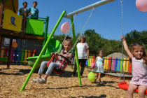 Село Българска поляна си има детска площадка