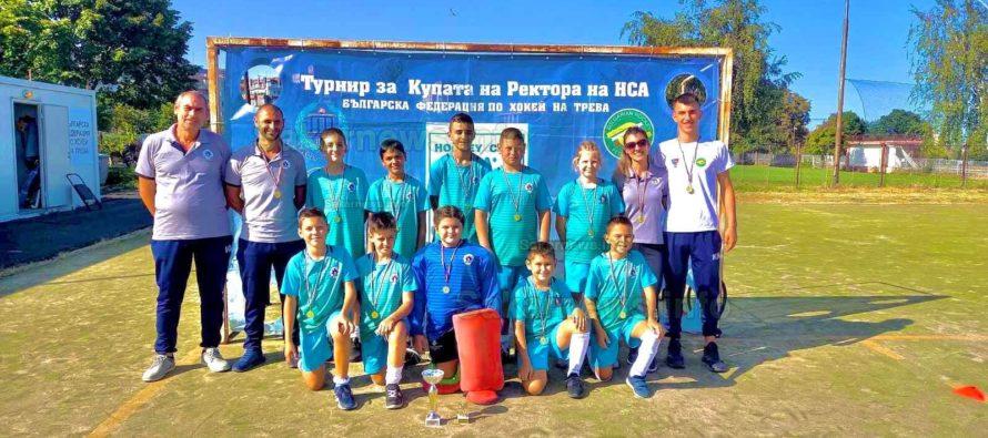 Златни и бронзови медали за хокеисти от Града на Белоногата