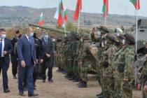Президент и министър наблюдаваха учение на полигона край Корен