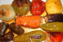 Пълнен зеленчук с ориз