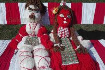 Пижо и Пенда поседнаха на скамейка в центъра на Любимец