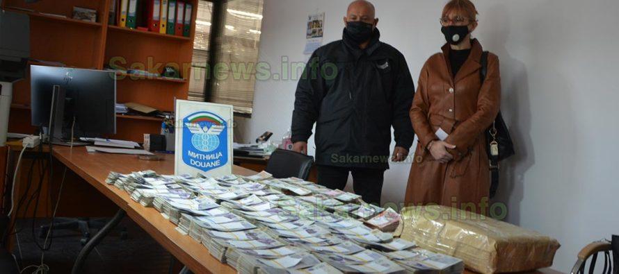 """На """"Капитан Андреево"""" задържаха 378 080 £ в камион на турчин /Видео/"""