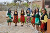 Момичета огласиха Устрем на Лазарица
