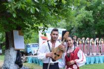 От автентичния фолклор в Тополовградско винаги излизат добри певци и музиканти