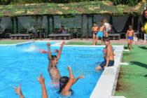 Плувци се сдобиха с дипломи след завършен курс