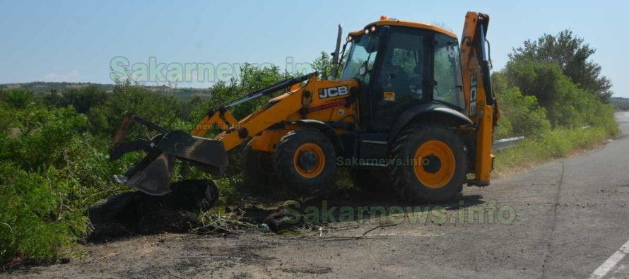 Изхвърлиха 30 тона втвърден асфалт